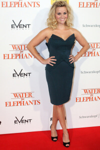 Reese Witherspoon Worst Dressed