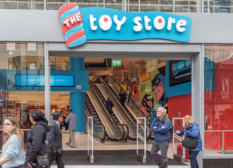 1364895_the_toy_store_oxford_street_2ts