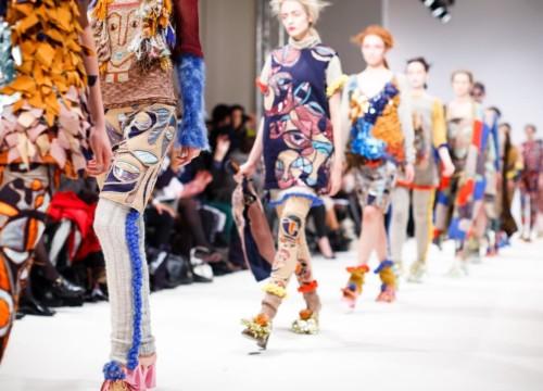 Catwalk Fashion Vogue - Designer Celebrity Clothing