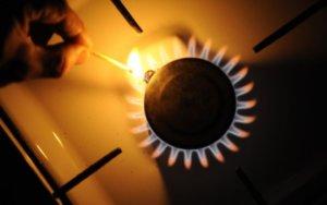 VERV - Using a match to light a stove