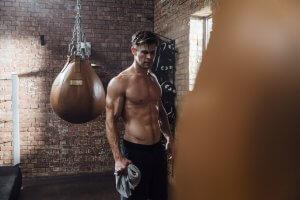 Chris Hemsworth boxing